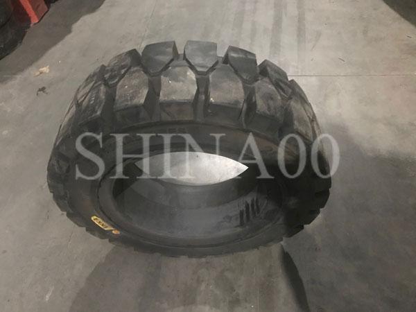 Шины 6.50-10 EKKA 698 цельнолитые для вилочных погрузчиков